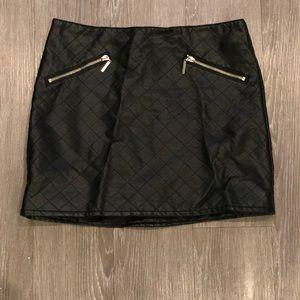 Black Mini Pleather Skirt Zipper Size 10